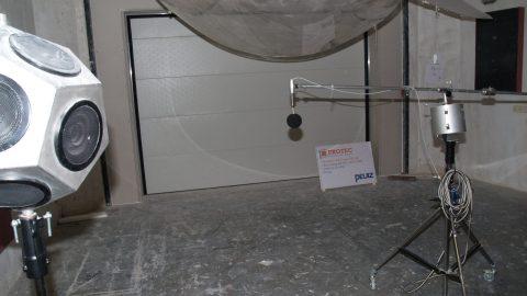 Portes de insonorisantes - Testé par peutz - Protec Industrial Doors