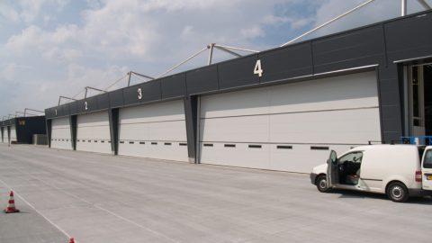 Sécurité maximale dans les portes du hangar - Protec Industrial Doors